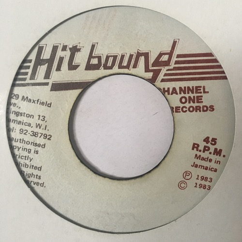 The Mighty Diamonds – Country Living